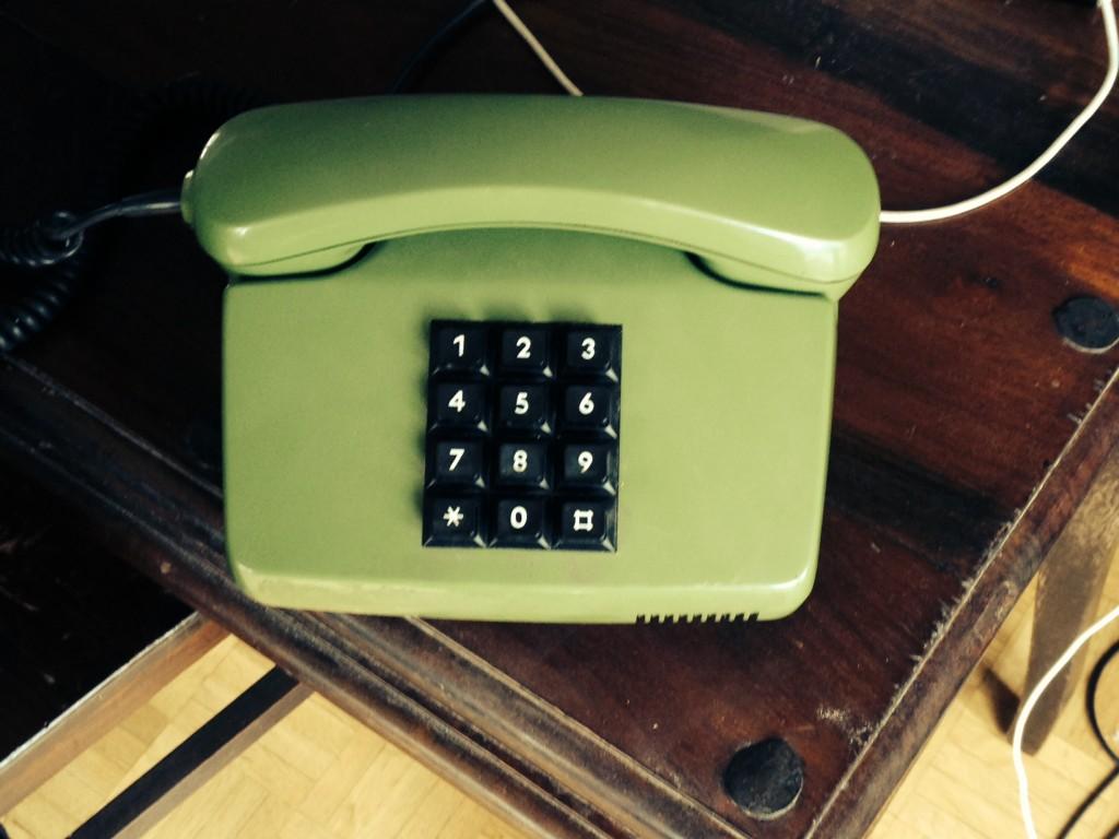 altes grünes Telefon von der Post